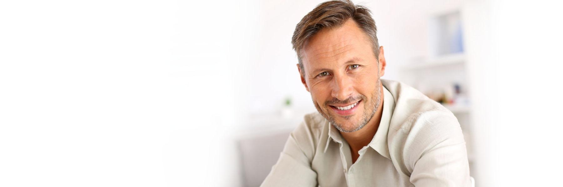 Man | Dental emergencies in Aurora IL